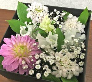 白ピンク花BOX